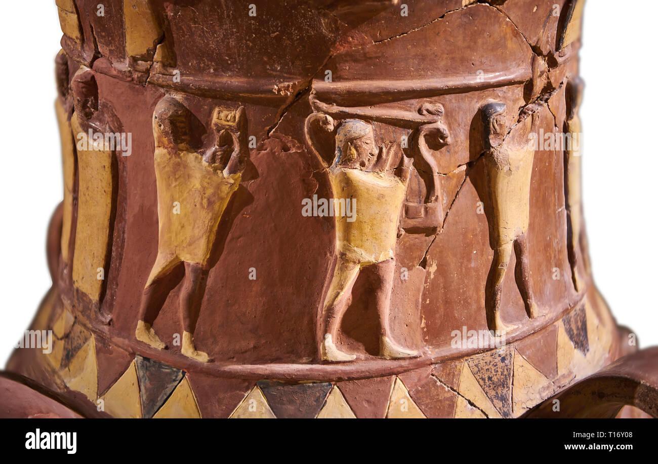 Nahaufnahme der Inandik Hethiter Relief dekoriert Kult trankopfers Vase dekoriert mit relif Zahlen farbig in Creme, Rot und Schwarz. Der prozessionsweg fi Stockfoto