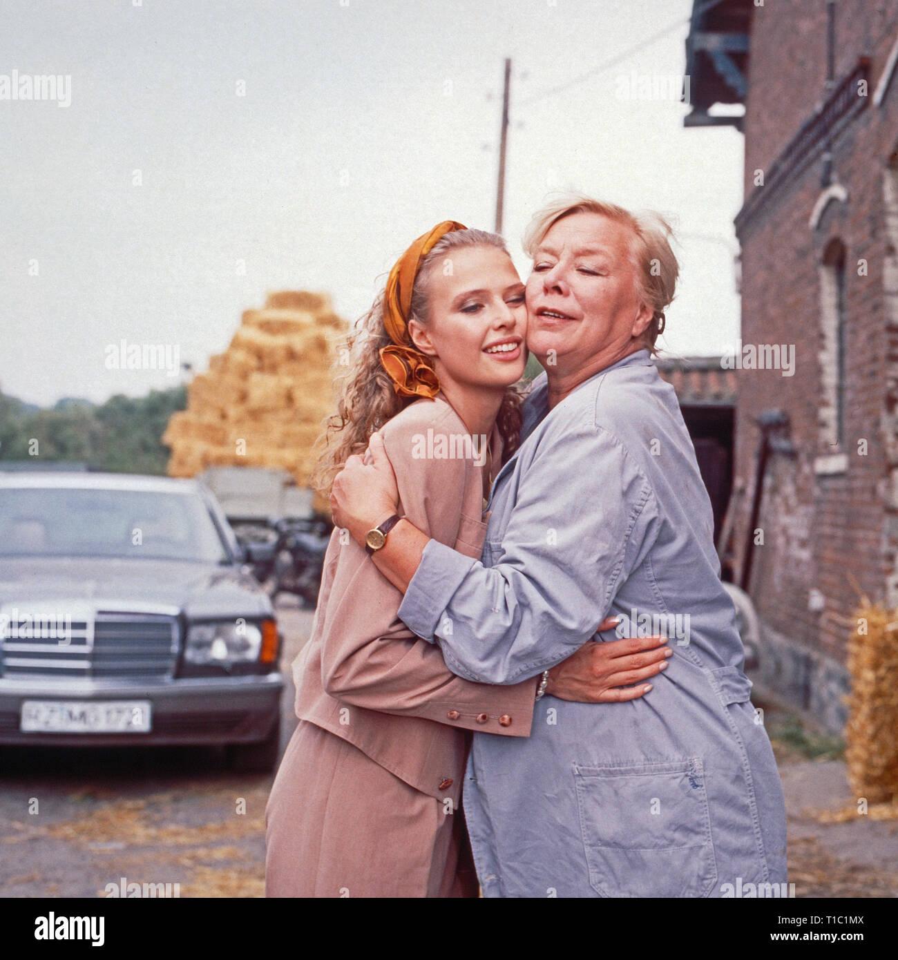 """Das Erbe der Guldenburgs, Fernsehserie, Deutschland 1986 - 1988, Folge: 'Der rote Rubin"""", Darsteller: Katharina Böhm, Ingeborg Christiansen Stockfoto"""
