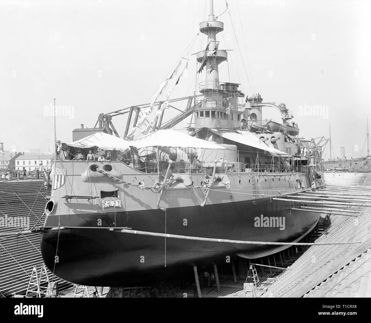 USS Missouri im Trockendock, Brooklyn Navy Yard, 1898 Stockbild