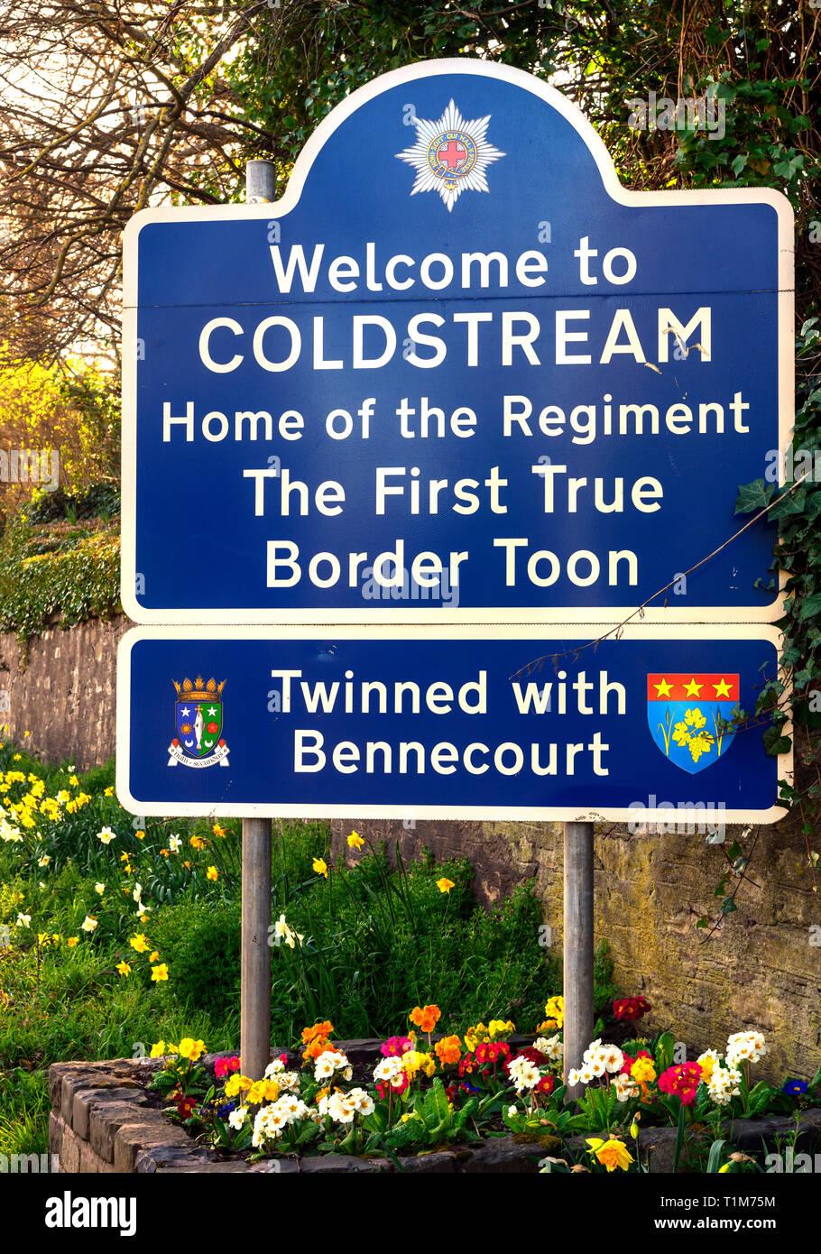 Zu Coldstream - Startseite des Regiments-Sign, Coldstream, Scottish Borders, Schottland, UK Willkommen Stockbild