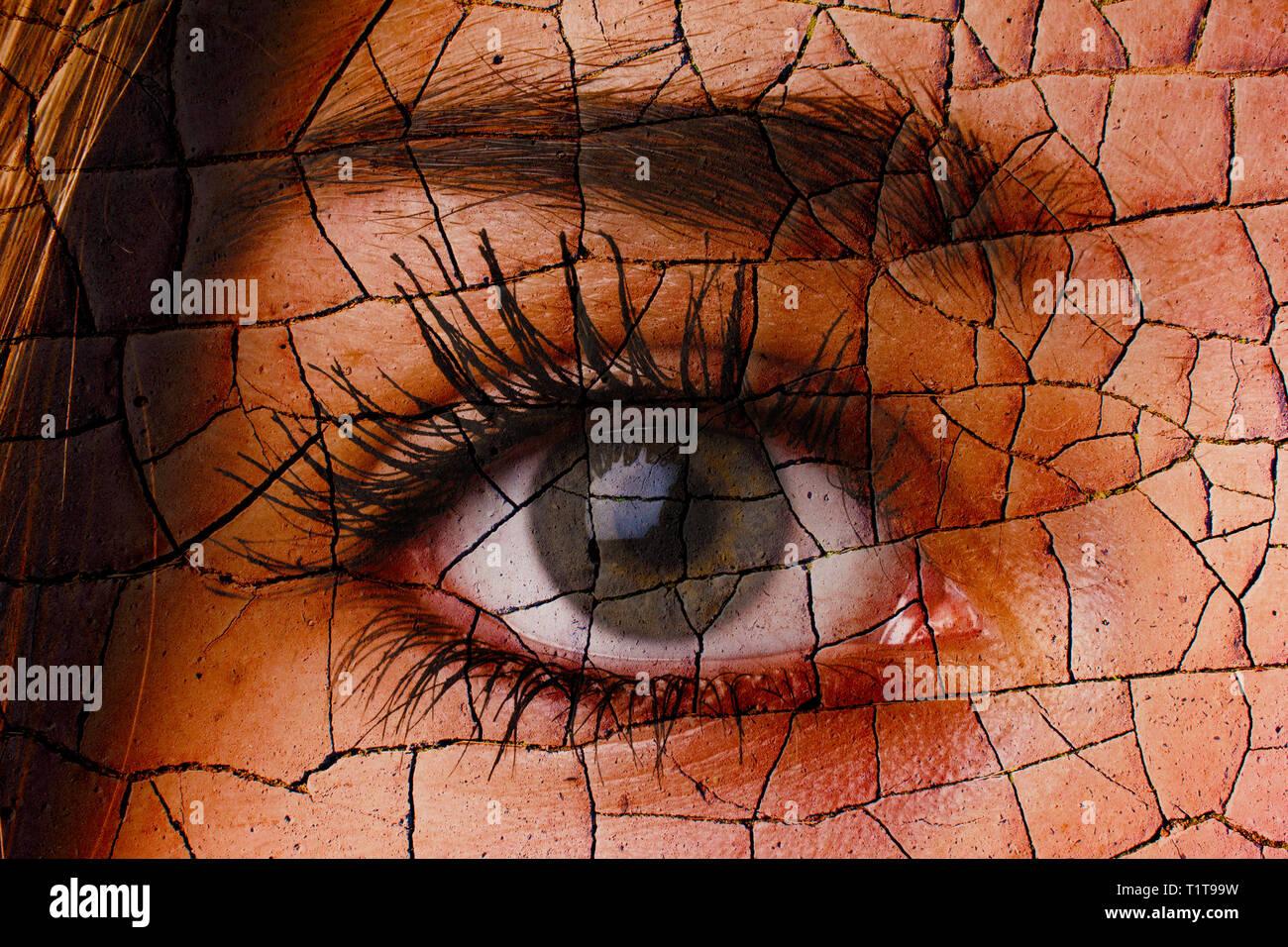 Auge mit gecrackten Wirkung, altern Konzept Stockbild