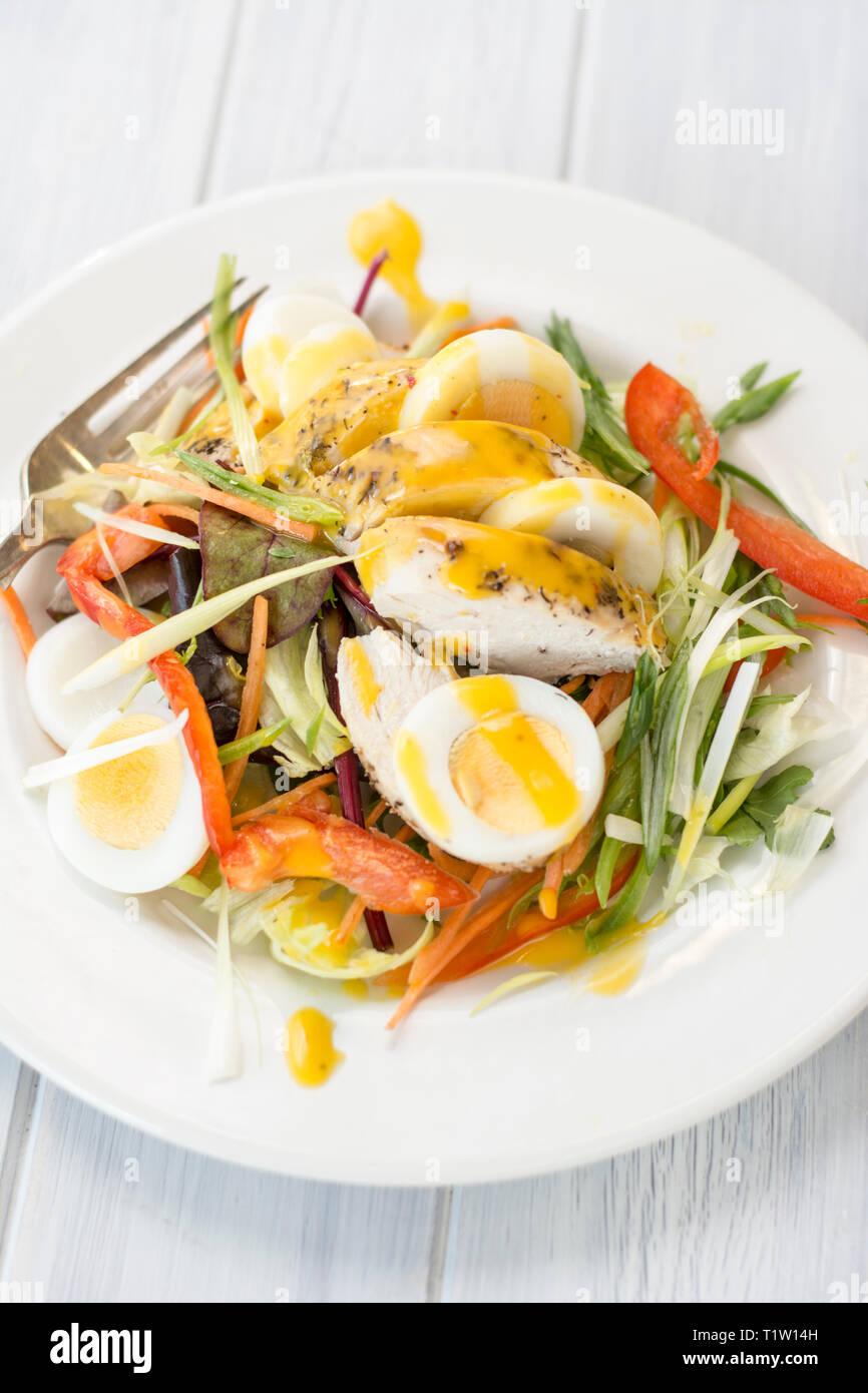 Huhn und Mango Salat Rezept Stockbild