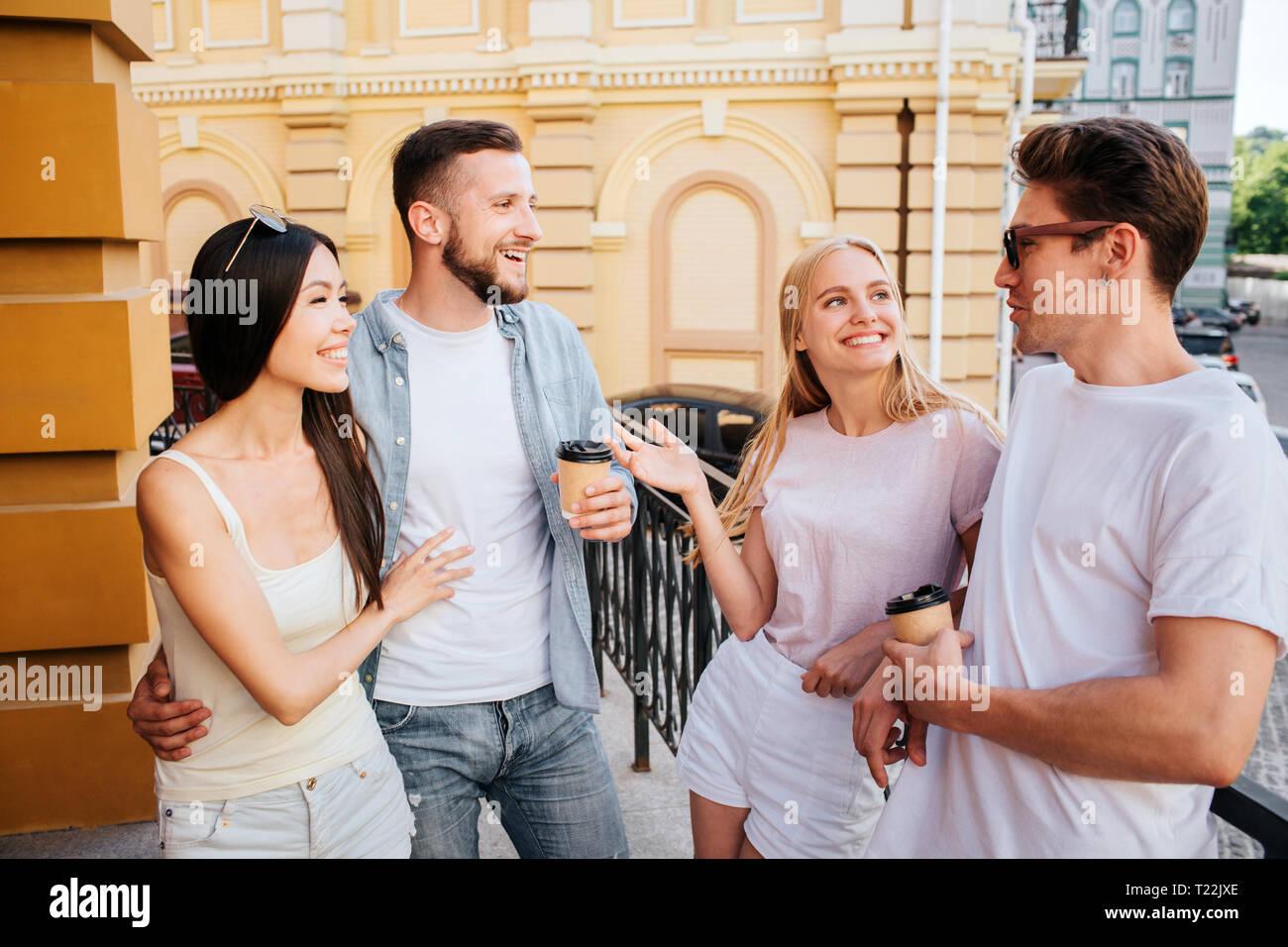 Dating ein griechischer amerikanischer Kerl