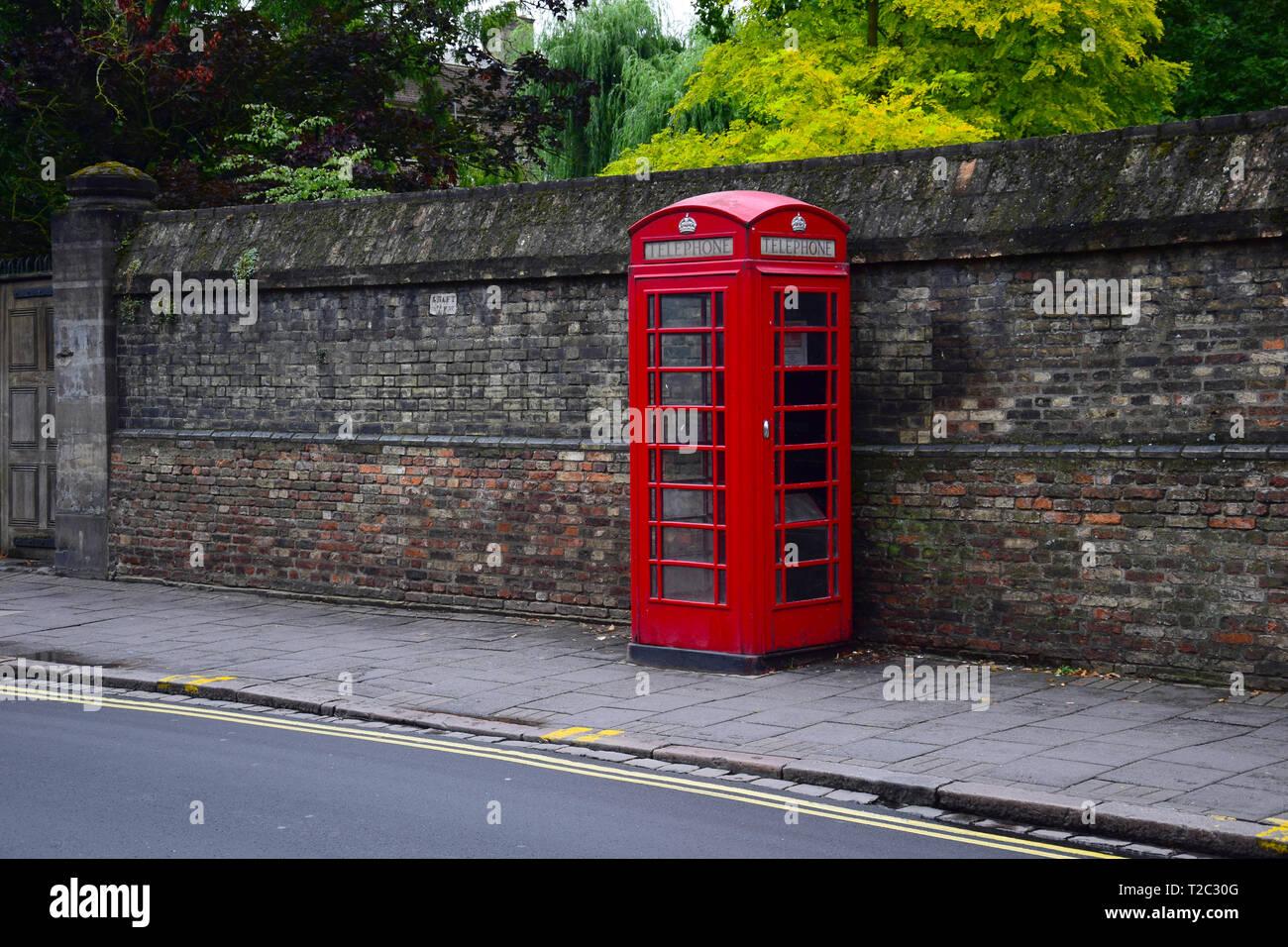 Telefonzelle in Cambridge, England, Großbritannien Stockbild