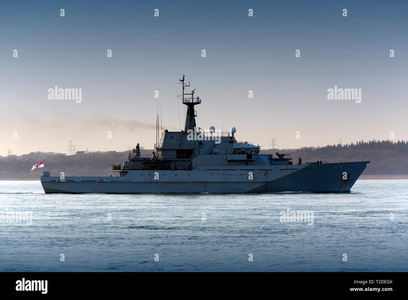 HMS, Tyne, Royal Navy, Krieg, Schiff,, Support, Port, Southampton, Wasser, Hafen, Fawley, Öl, Raffinerie, den Solent, Cowes, Isle of Wight, Großbritannien, besetzt Stockbild