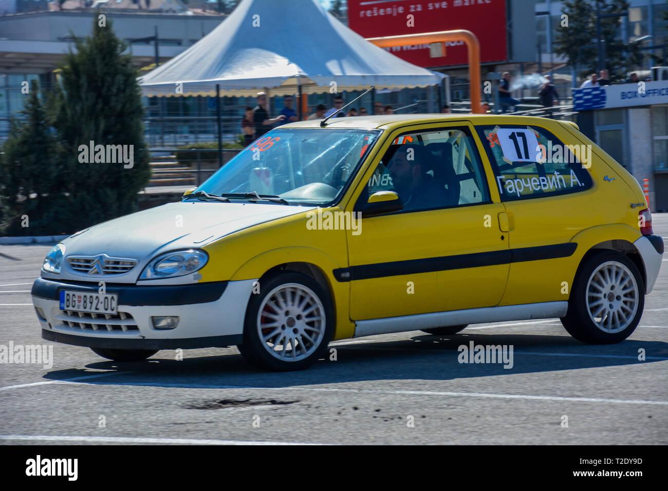 Sajmski autoslalom 2019 - Citroen Saxo VTS Stockbild