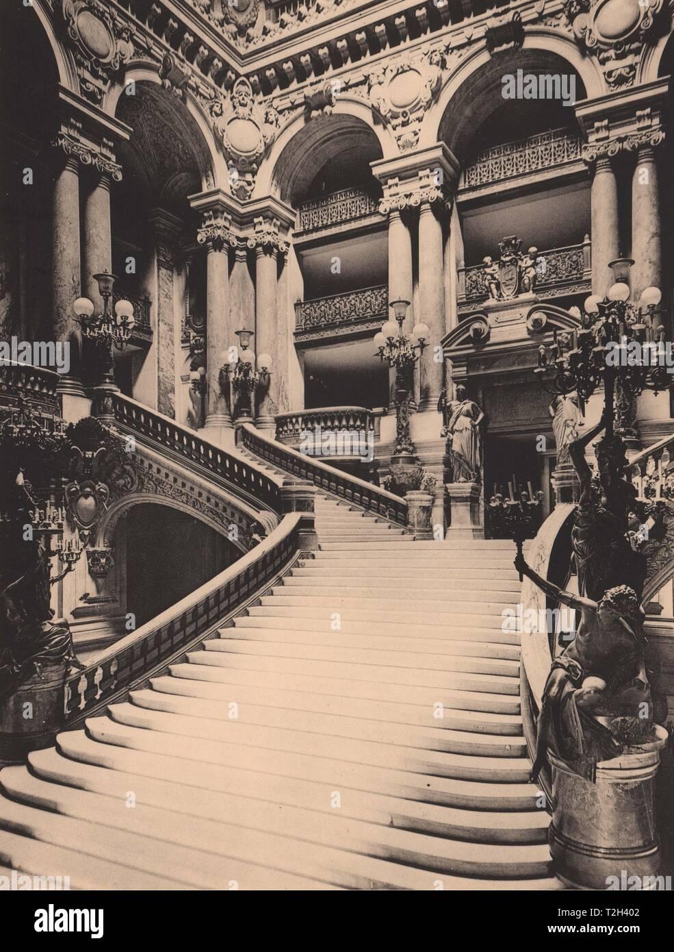 Intérieur de l'Opéra - Le Grand Escalier Stockbild