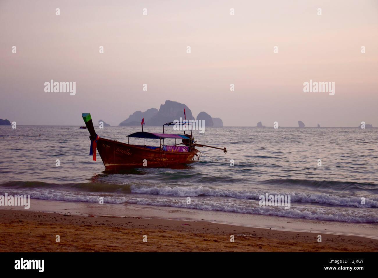 Longtail Boot in Krabi, Krabi Beach, Thailand Stockbild