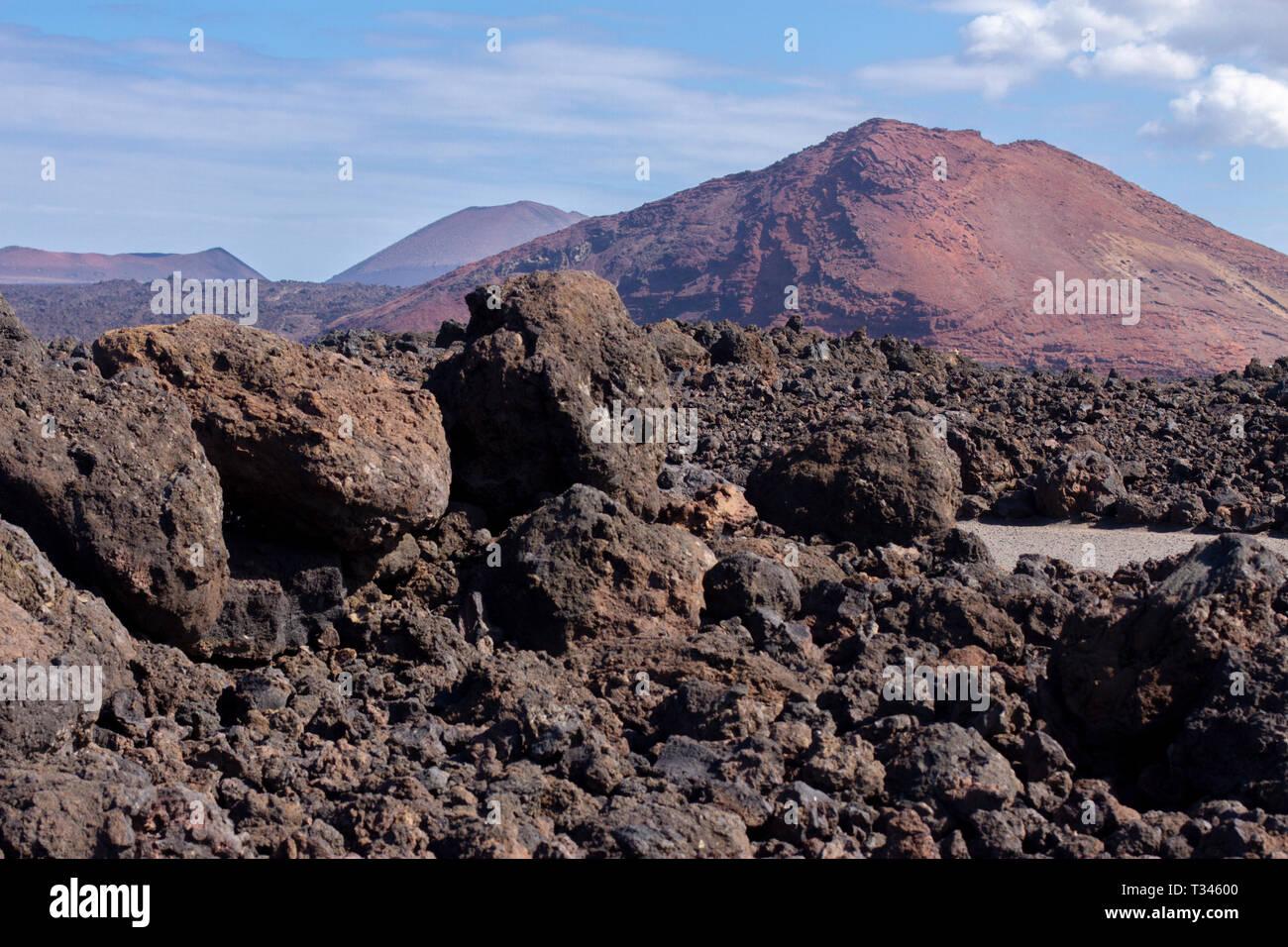Der vulkanischen Landschaft von Janubio Berge auf Lanzarote Stockbild