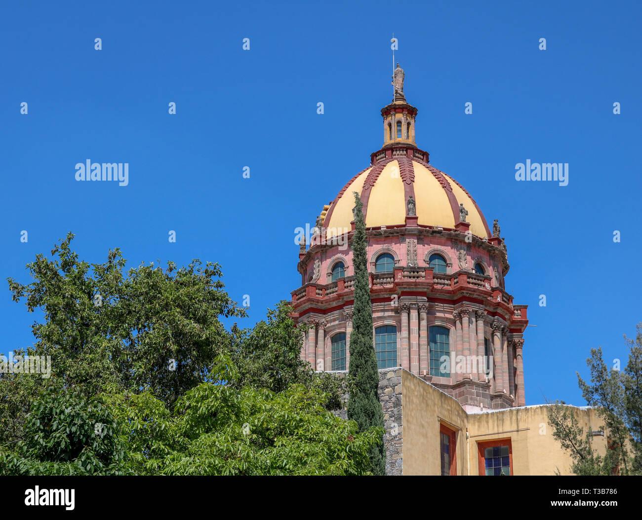 Kirche Dome Stockfoto