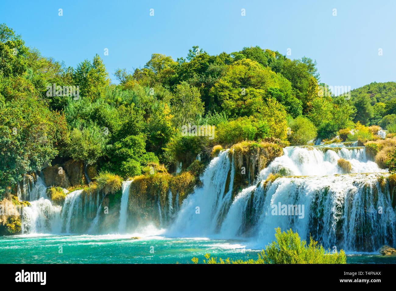 Schöne Skradinski Buk Wasserfall im Nationalpark Krka - Dalmatien Kroatien, Europa im sonnigen Tag Stockfoto