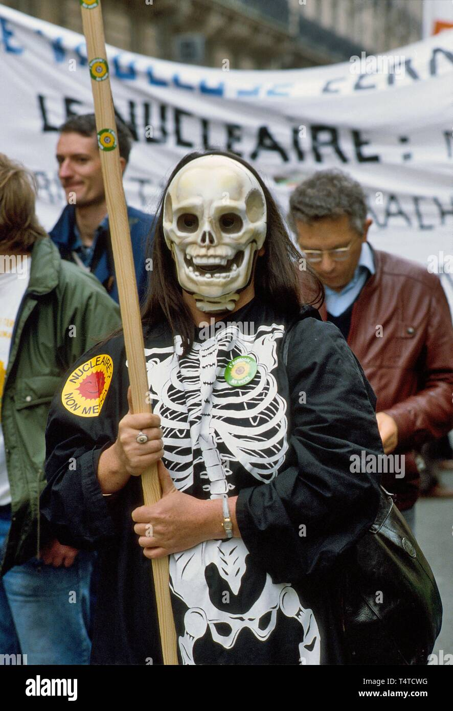 Antinukleäre Demonstration in Paris, Frankreich, Juni 1987 Stockbild