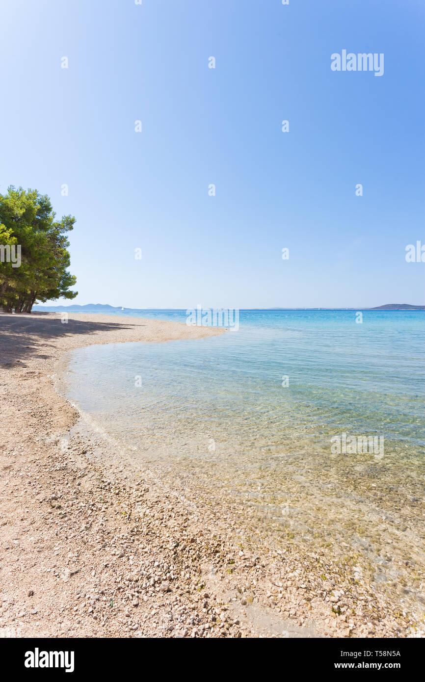Pine Beach, Pakostane, Kroatien, Europa - Natur Pur am Strand von Pakostane Stockfoto