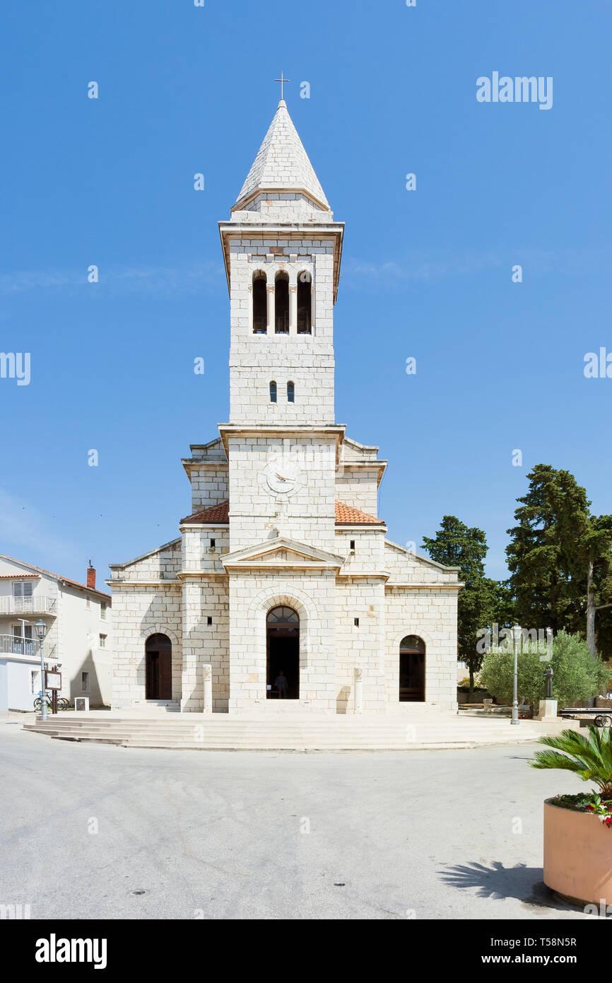 Pakostane, Kroatien, Europa - Schöne alte Kirchturm Architektur bei Pakostane Stockfoto