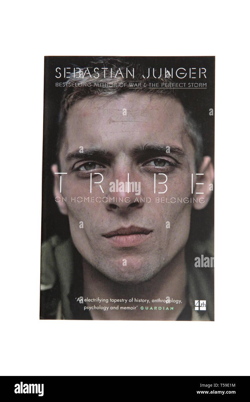 Das Buch, Stamm: auf Homecoming und Zugehörigkeit von Sebastian Junger Stockbild