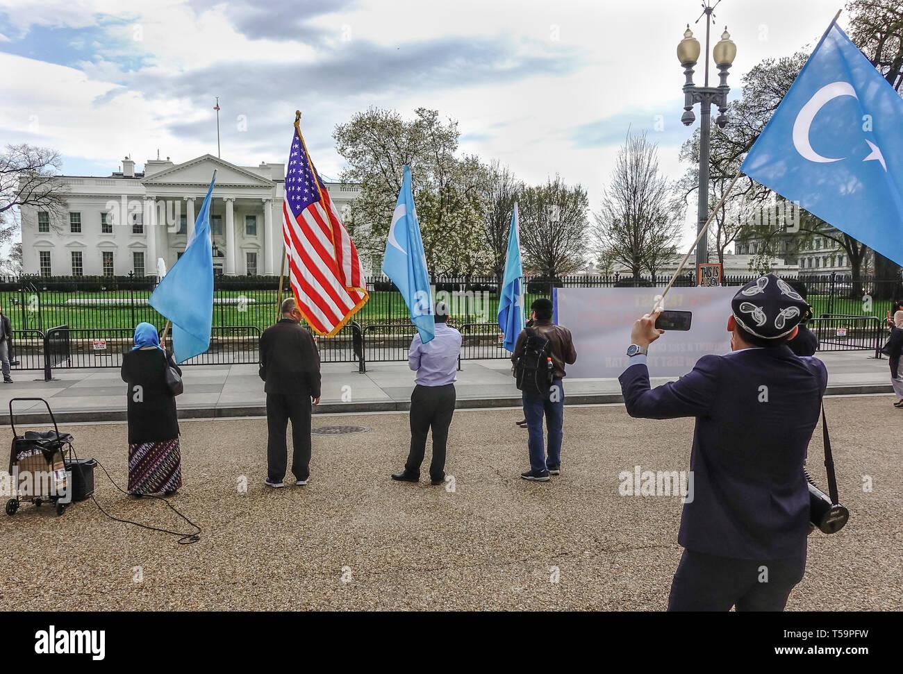 Protest gegen Chinas Verfolgung ethnischer Uiguren & türkische Muslime in Ostturkestan, einschließlich der Inhaftierung im Konzentrationslager. DC, April 4, 2019 Stockbild