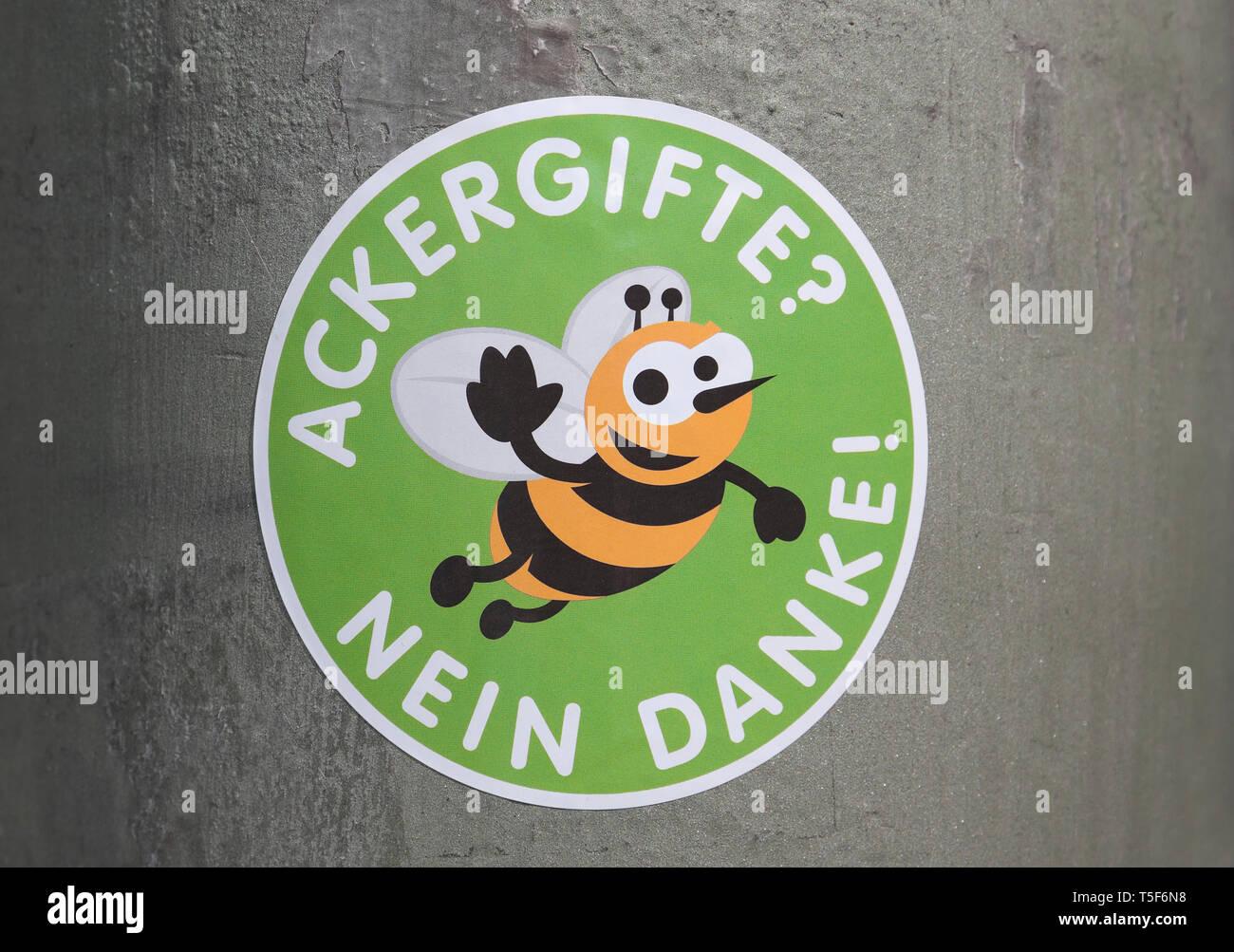Aufkleber Mit Winkenden Biene Ackergift Nein Danke In