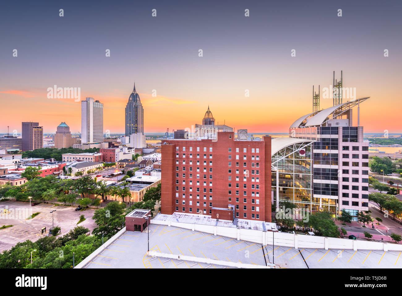 Mobile, Alabama, USA Downtown Skyline in der Dämmerung. Stockfoto