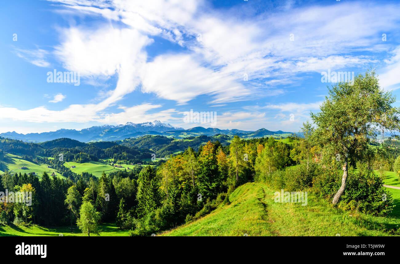 Sonnigen morgen im Spätsommer im Appenzellerland Stockbild