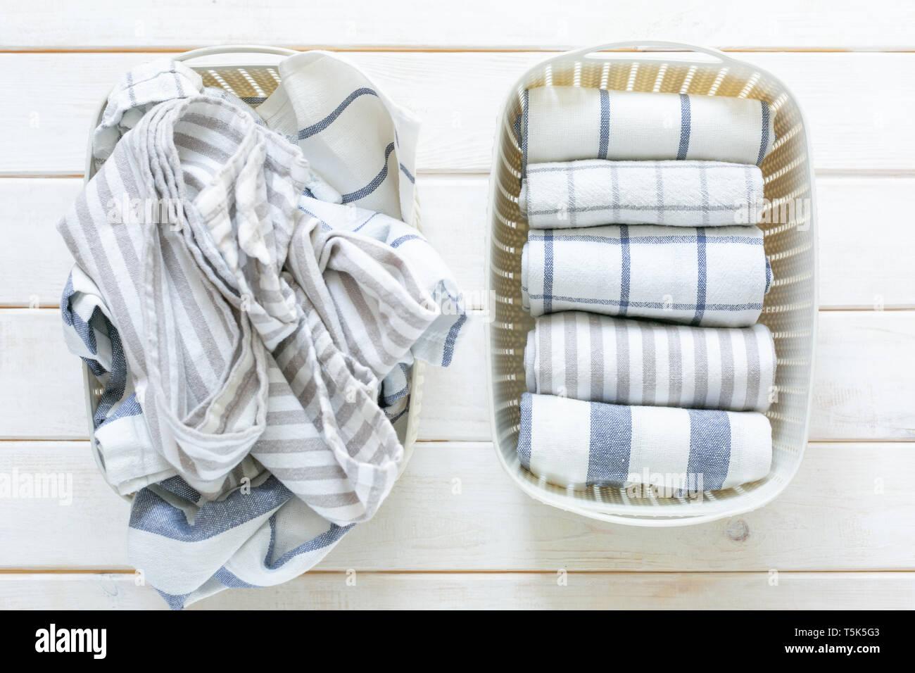 Marie Kondo aufräumen Konzept - gefaltet Küche Handtücher in weiß ...