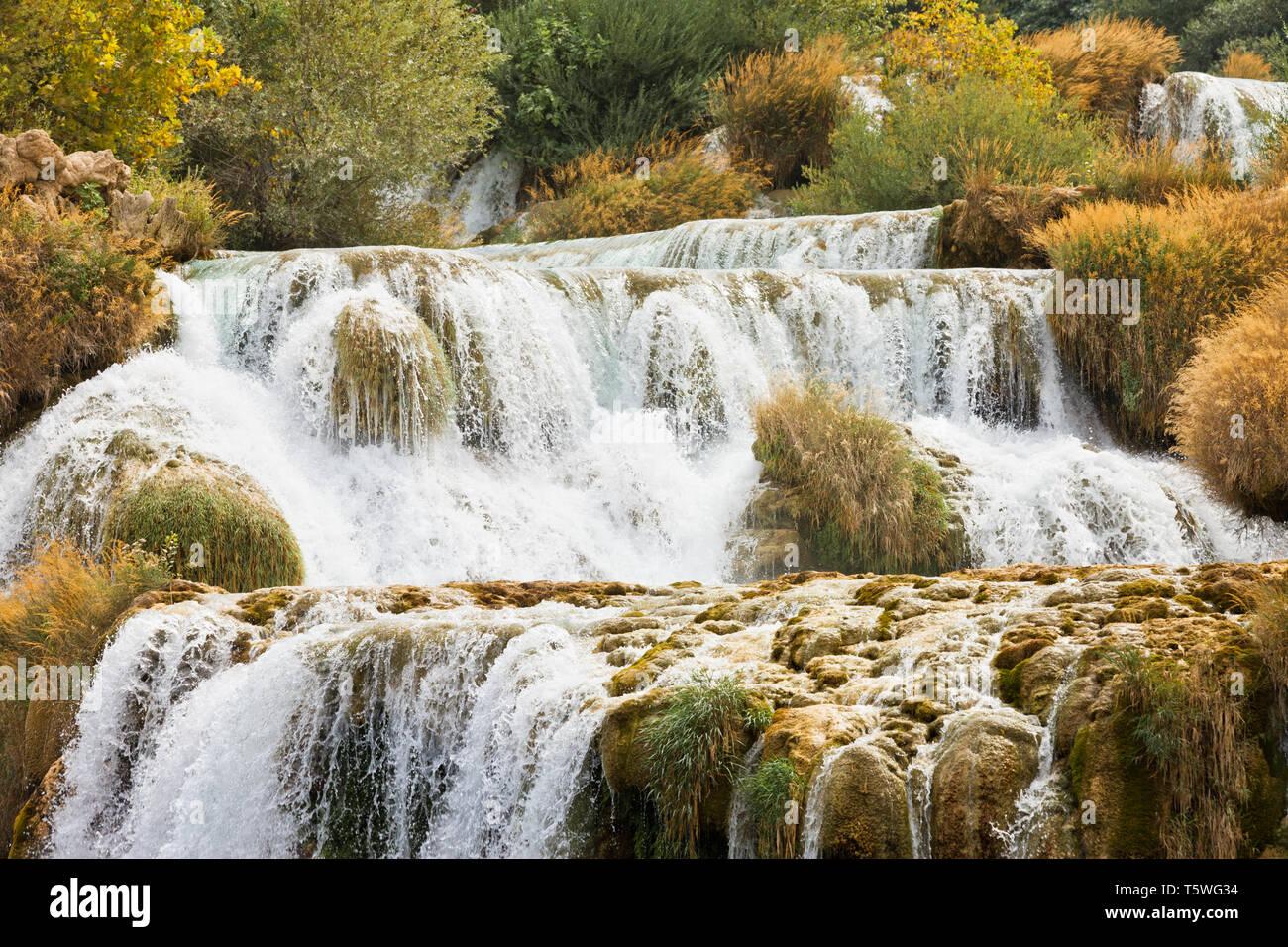 Krka, Sibenik, Kroatien, Europa - Erleben Sie die Kraft von Wasser bei der katarakt Krka Stockfoto