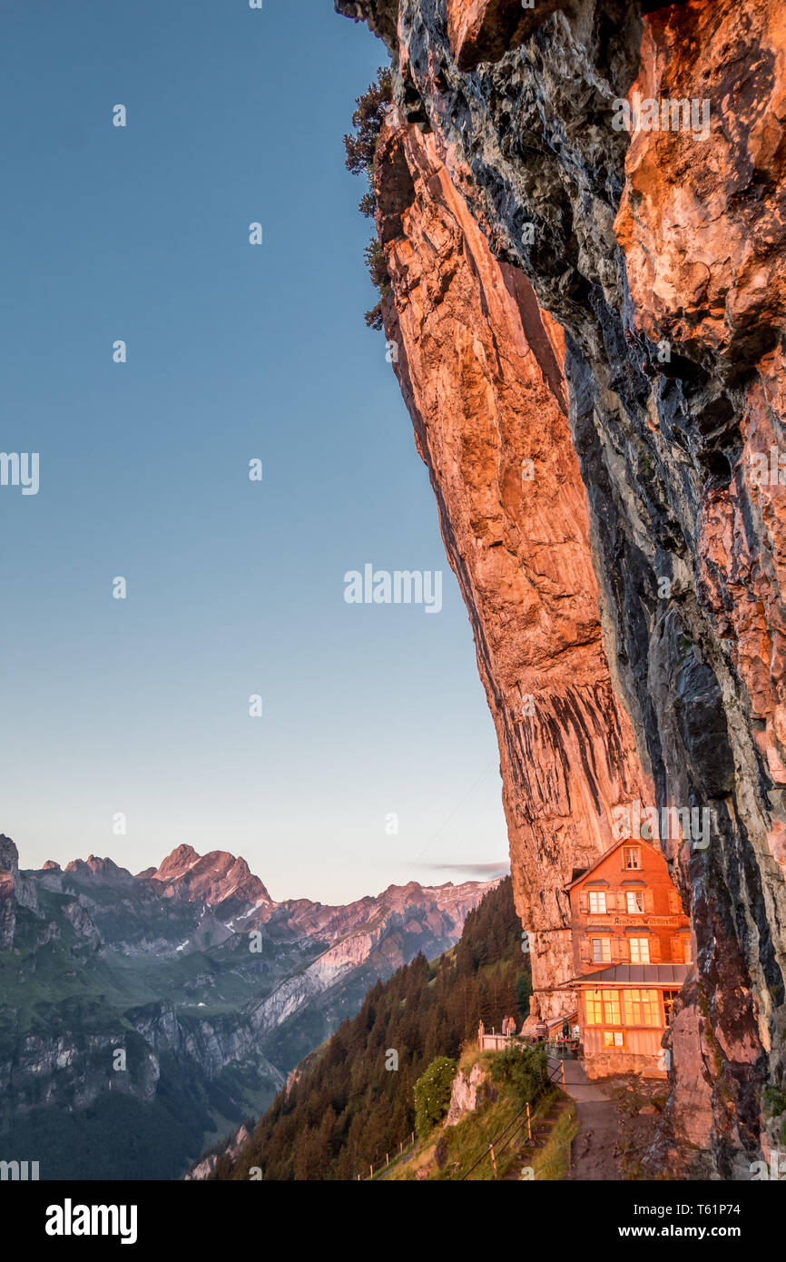 Die berühmten Aescher Berg Restaurant in Appenzell, Schweiz Stockbild