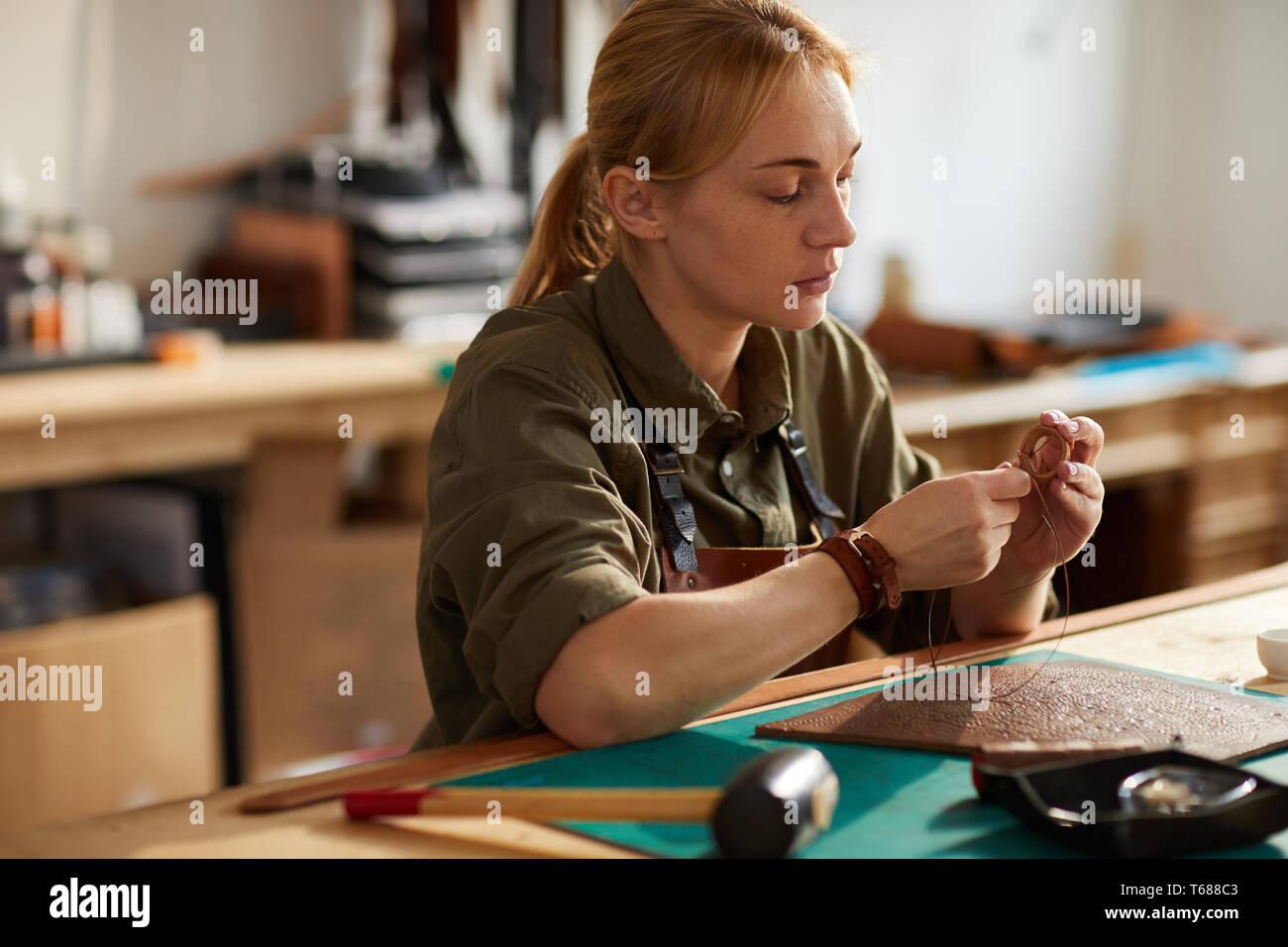 Leder Handwerker Stockbild