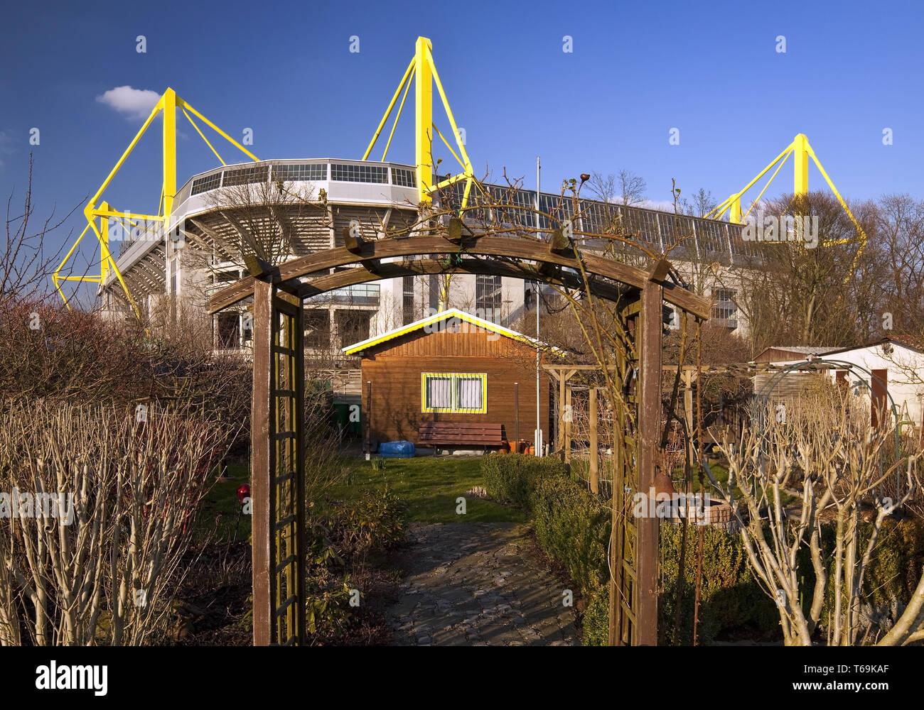 Schrebergarten vor der Signal Iduna Park Fußball Stadion des BVB, Dortmund, Deutschland Stockfoto