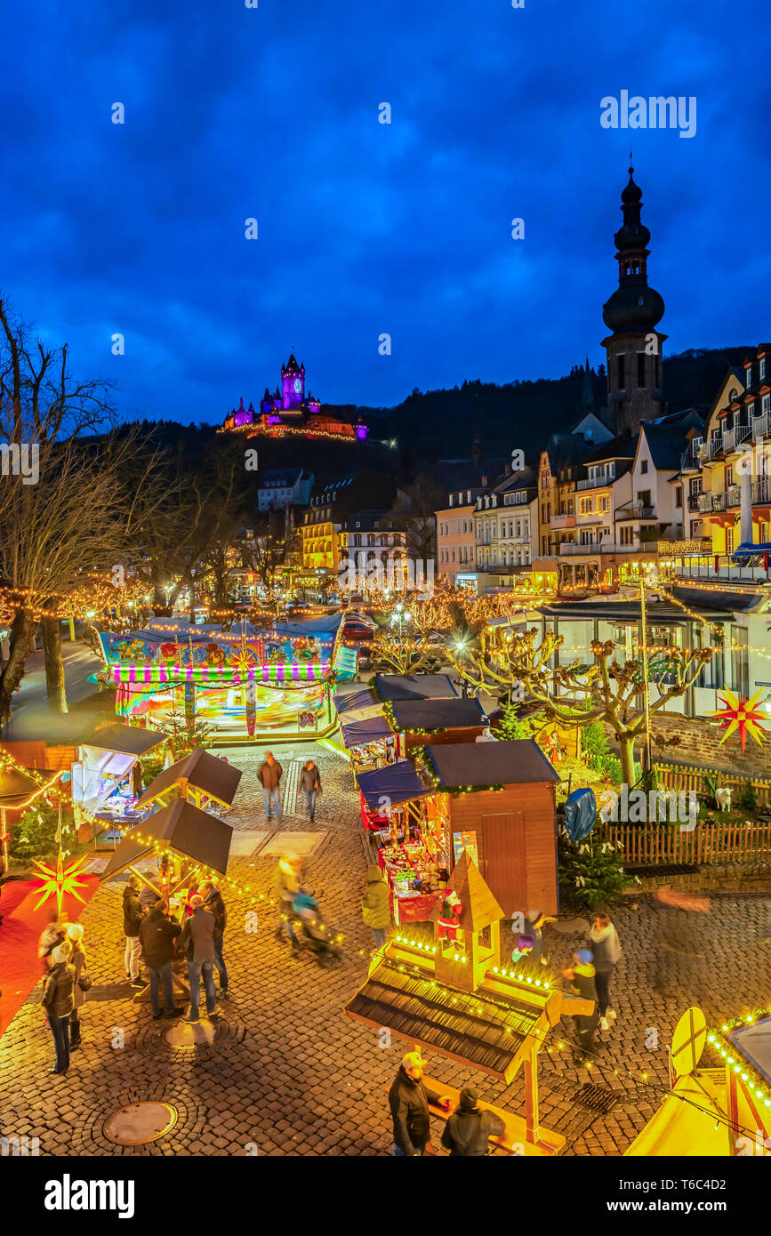 Cochem Weihnachtsmarkt.Weihnachtsmarkt Mit Reichsburg Cochem Cochem Rheinland Pfalz