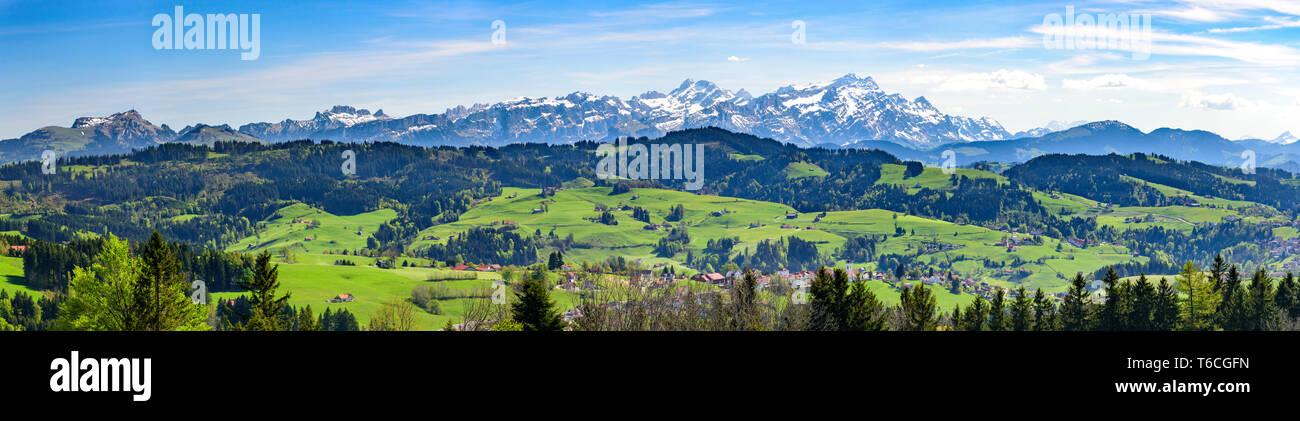 Blick auf eines der berühmtesten Wahrzeichen in der Ostschweiz, den Säntis Stockbild