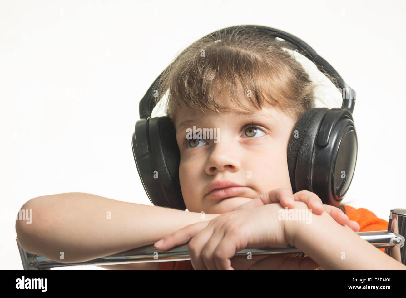 Porträt eines Mädchens in Kopfhörer Musik musikalisch Stockbild