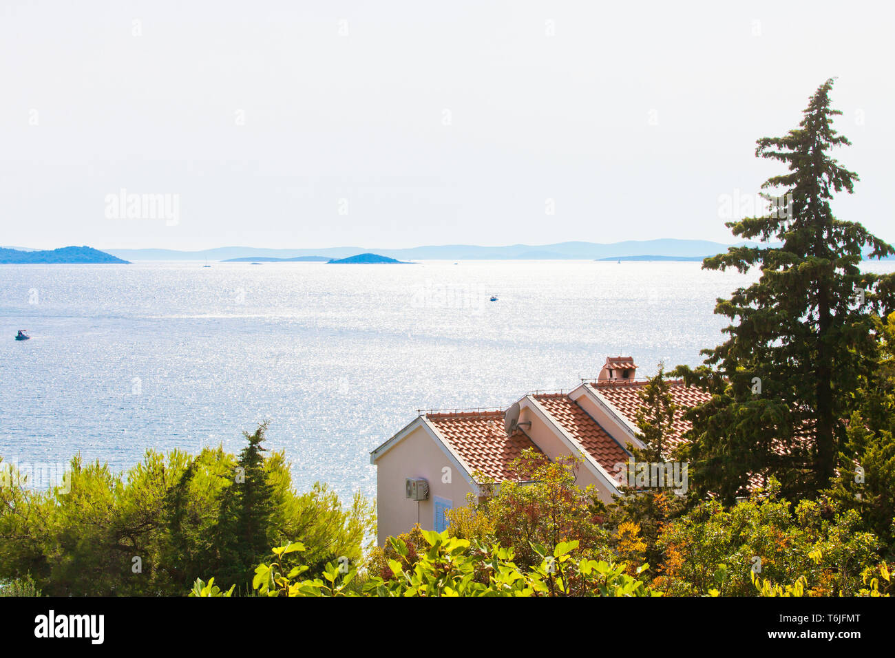 Drage, Zadar, Kroatien, Europa - Schöne Beleuchtung an der Küste von Drage Stockfoto