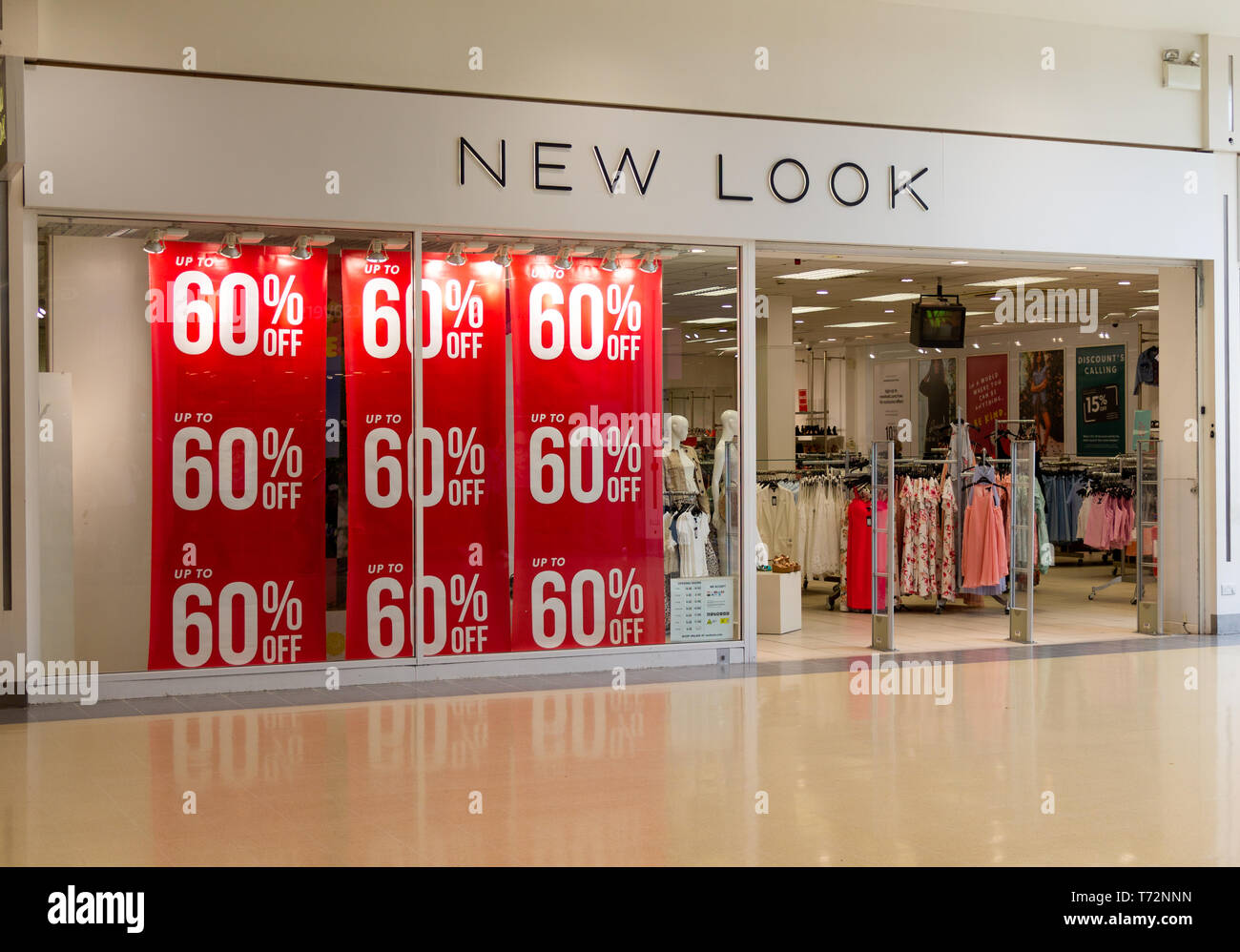 New Look Fashion Store Eingang in einer Shopping Mall ...