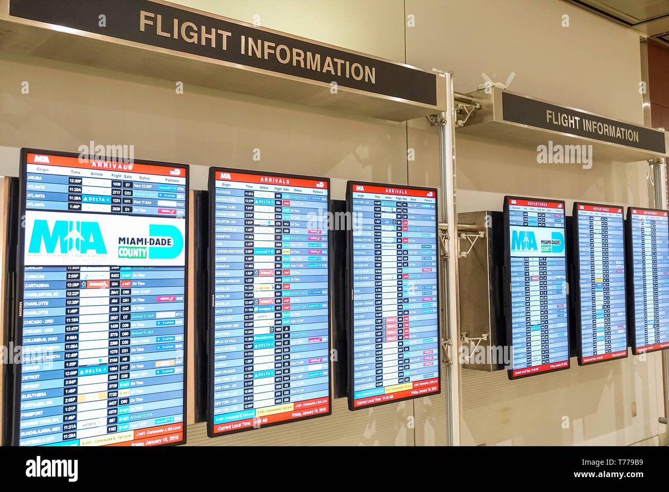 Miami Florida Miami International Airport MIA Flug Informationen digital Flight Information boards Ankünfte Stockbild