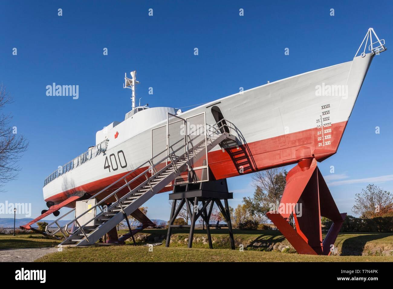 Kanada, Quebec, Chaudiere-Appalaches Region, L'Islet-sur-Mer, HMCS Bras d'Or, experimentelle Tragflügelboot, außerhalb des Maritime Museum Stockbild