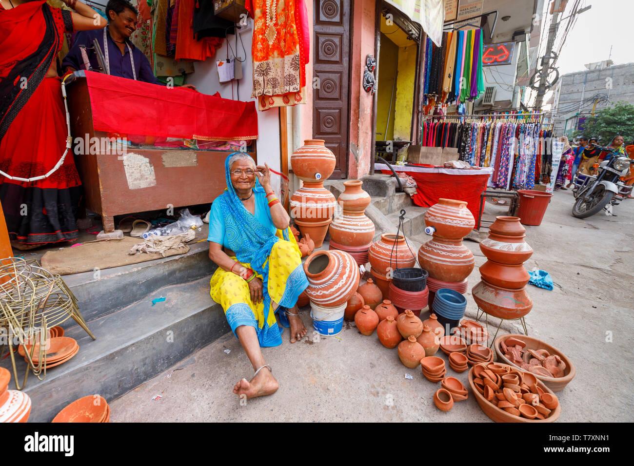 official photos 2a2e8 dce02 Street Scene, Mahipalpur district, New Delhi Suburb: Eine ...