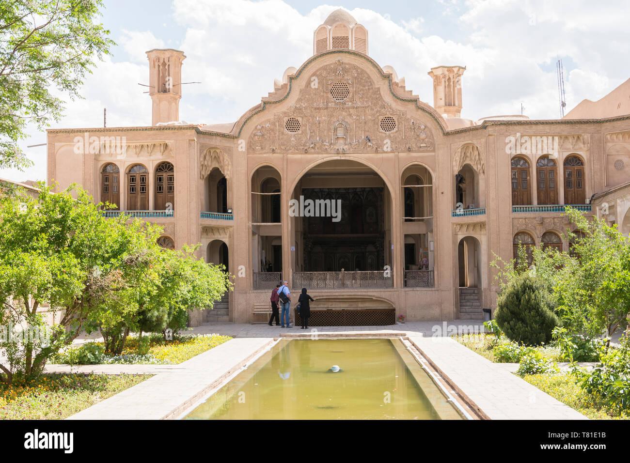 Provinz Isfahan - Kashan im Iran - April 30, 2019 der traditionellen persischen Hof, Borujerdi Haus Stockbild