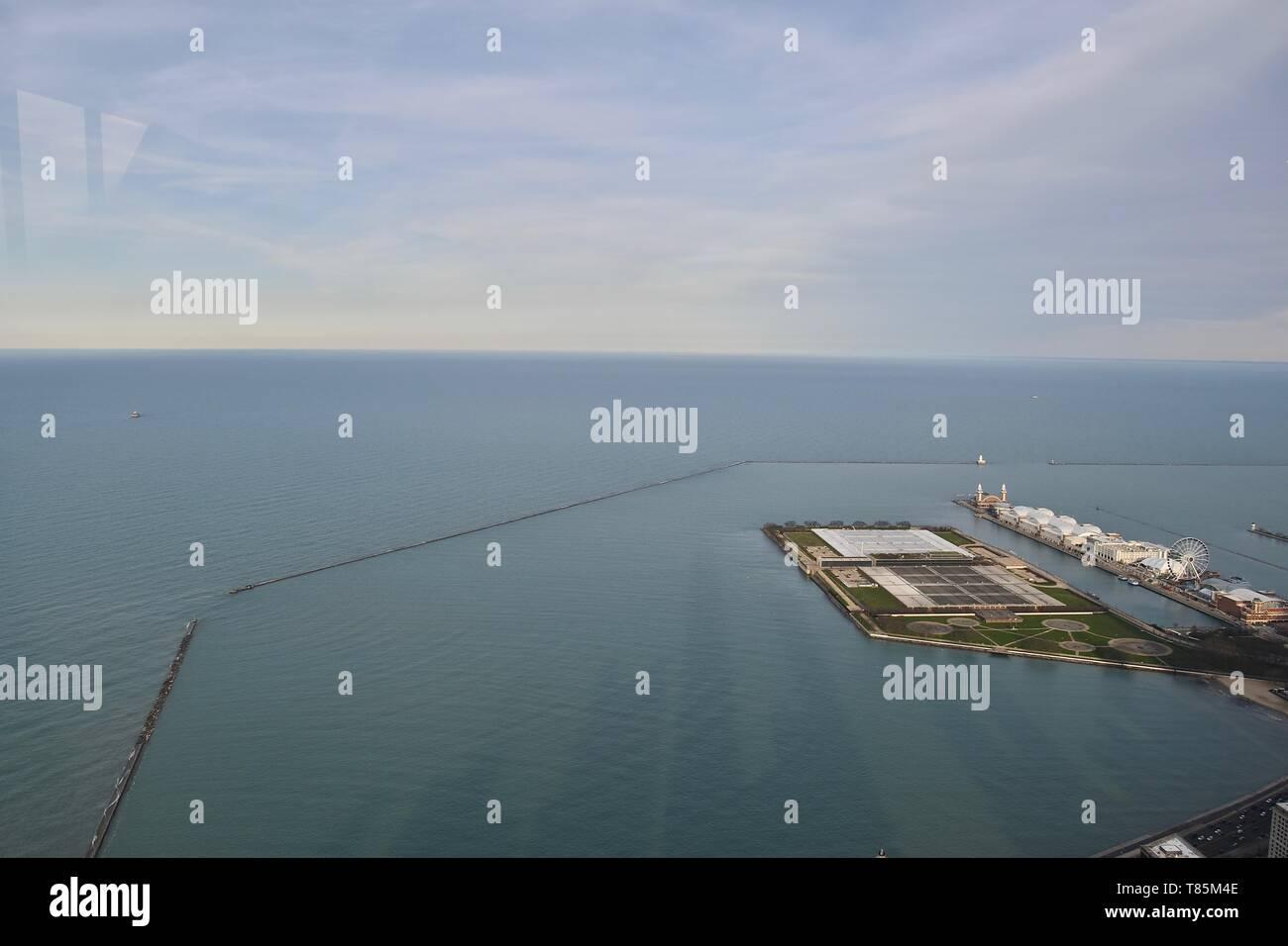 Die kultige Navy Pier Chicago in Chicago am Lake Michigan entlang der Küste, in der Nähe von North Side, Chicago, Illinois, USA Stockfoto