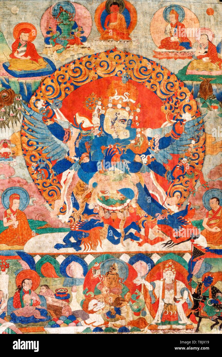Indien, Bundesstaat Jammu und Kashmir, Himalaya, Ladakh, Indus Valley, Kloster (gompa) von Matho, zentrale Detail Stück Nr. 181 der Sammlung, dem achtzehnten Jahrhundert Thangka, die vajrakila durch seine drei Köpfe seine sechs Arme, vier Beine und Flügel identifiziert. Er küsst seine Frau, in helleren Blau lackiert. Er wird von den Meistern seiner Linie und durch den Schutz der Gottheiten seines Zyklus umgeben Stockfoto