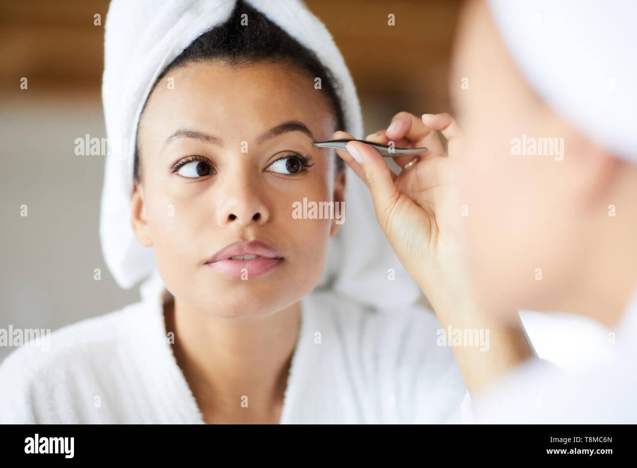 Zur Festsetzung Augenbrauen Stockbild