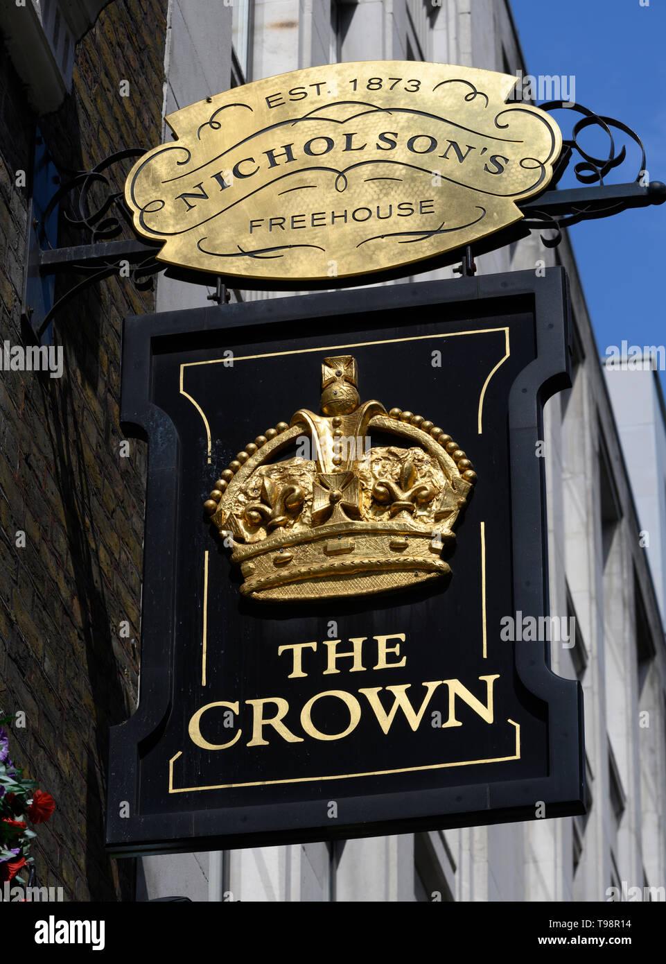 England London Crown Pub Sign Stockfotos und  bilder Kaufen   Alamy
