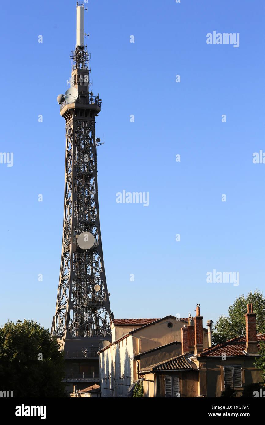 Tour métallique émetteur de 85,9 m. 1892 - 1894. Fourvière. Lyon. / Metall Turm Sender 85,9 mm. 1892 - 1894. Fourviere. Lyon. Stockbild