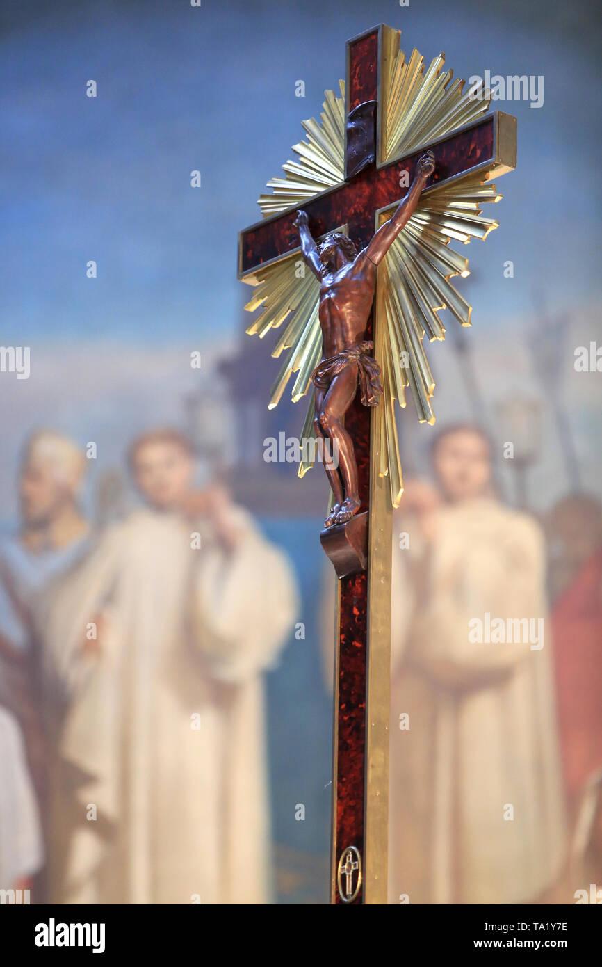 Jésus-Christ sur la Croix. Eglise Cook. Jesus Christus am Kreuz. Kirche St. Clodoald. Saint-Cloud. Stockbild
