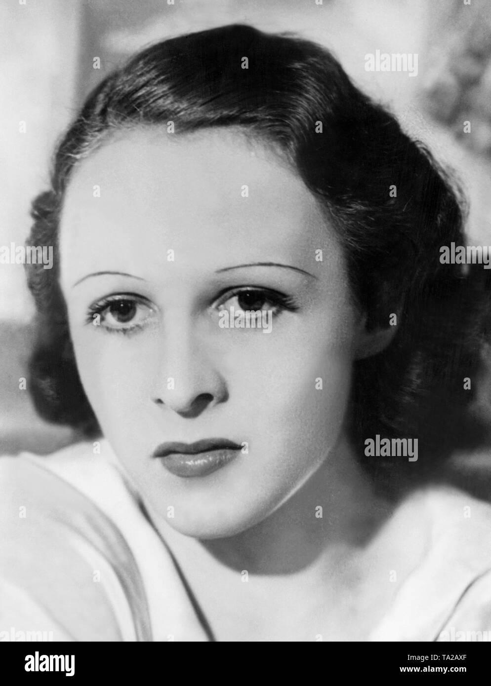 Frau Mit Einer Kurze Frisur Aus Den 1930er Jahren Die Dunne