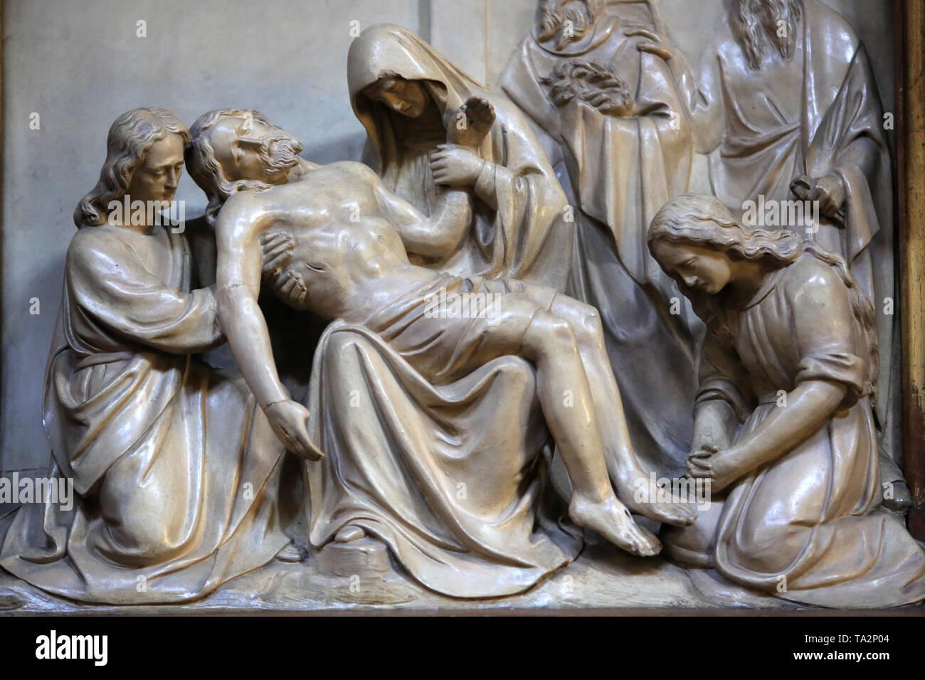 Jésus-Christ dans les Bras de sa Mère. Eglise Cook. Saint-Cloud. Jesus Christus in den Armen seiner Mutter. Kirche St. Clodoald. Saint-Cloud. Stockbild