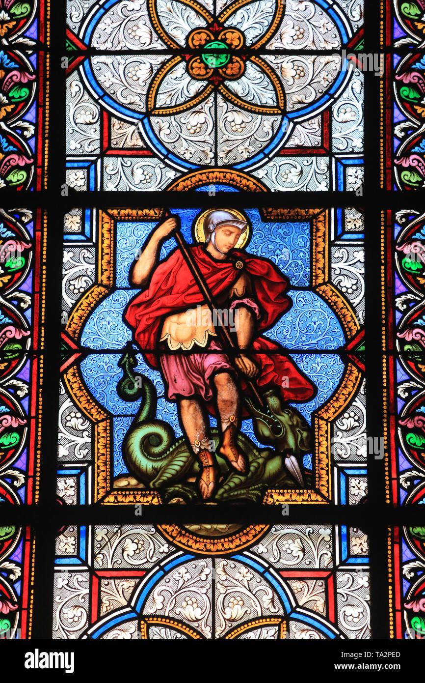 Saint-Georges terrassant le Dragon. Vitrail. Saint-Eglise Cook. Saint-Cloud. Glasmalerei. Kirche St. Clodoald. Saint-Cloud. Stockbild