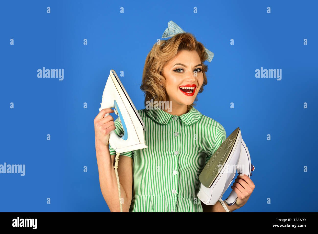 Alltag, Hausarbeit. Stockbild