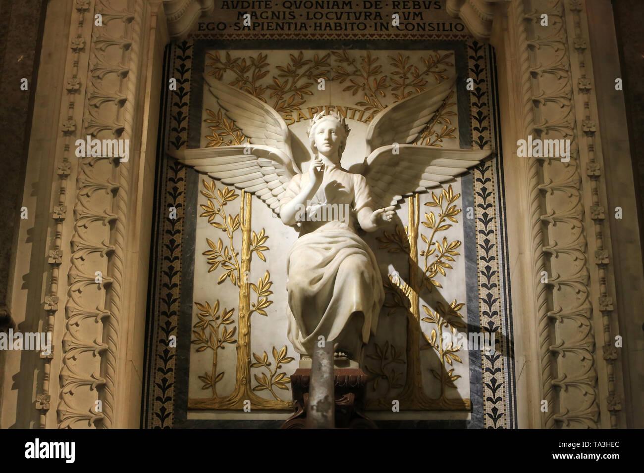 La Sagesse. Statue. Crypte. Basilika Notre-Dame de Fourvière. Lyon. Weisheit. Statue. Krypta. Basilika Notre-Dame de Fourvière. Lyon. Stockbild