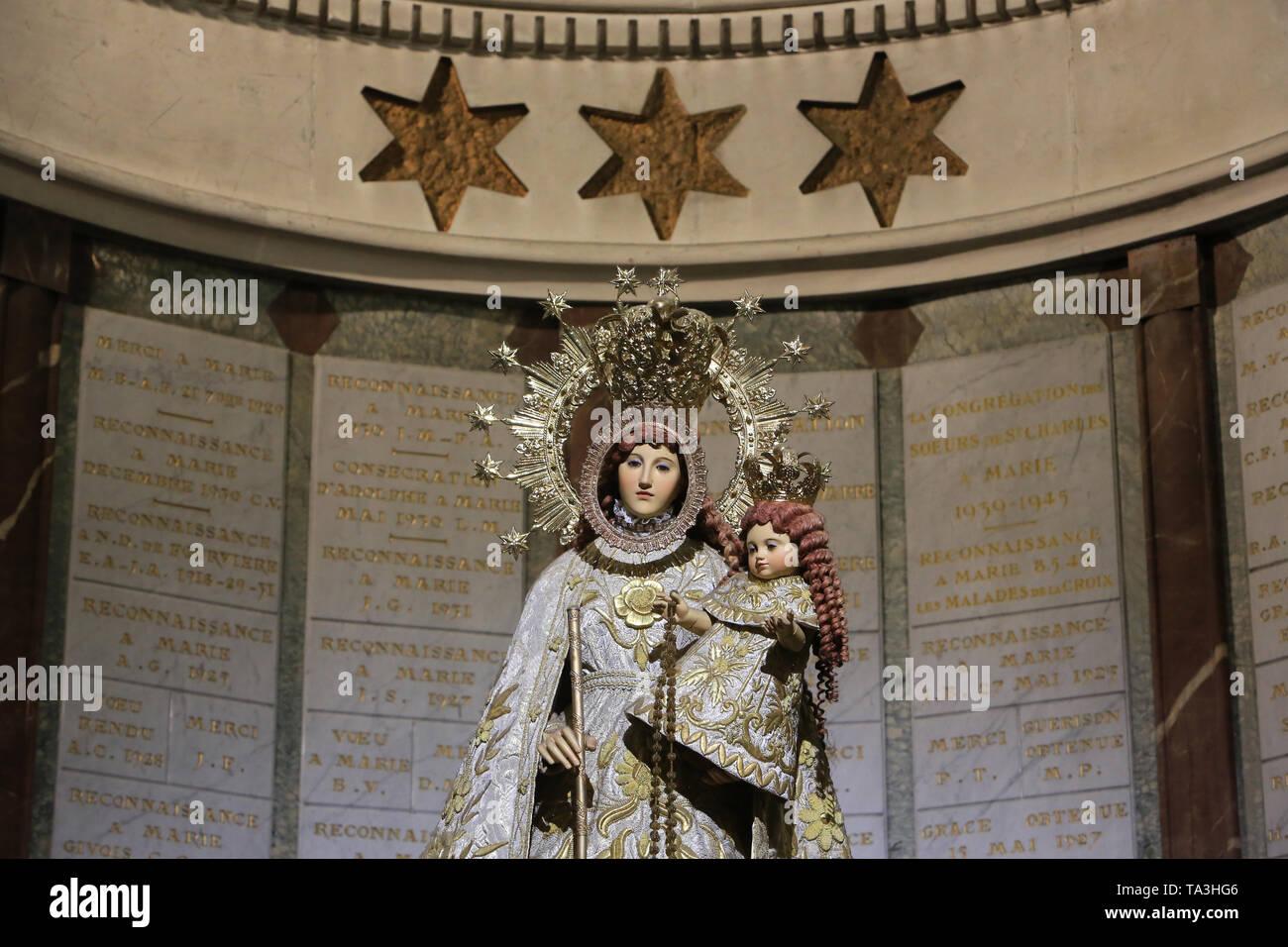 La Vierge de La Naval de Manille. Crypte. Basilika Notre-Dame de Fourvière. Lyon. Die Jungfrau von La Naval de Manila. Krypta. Stockbild