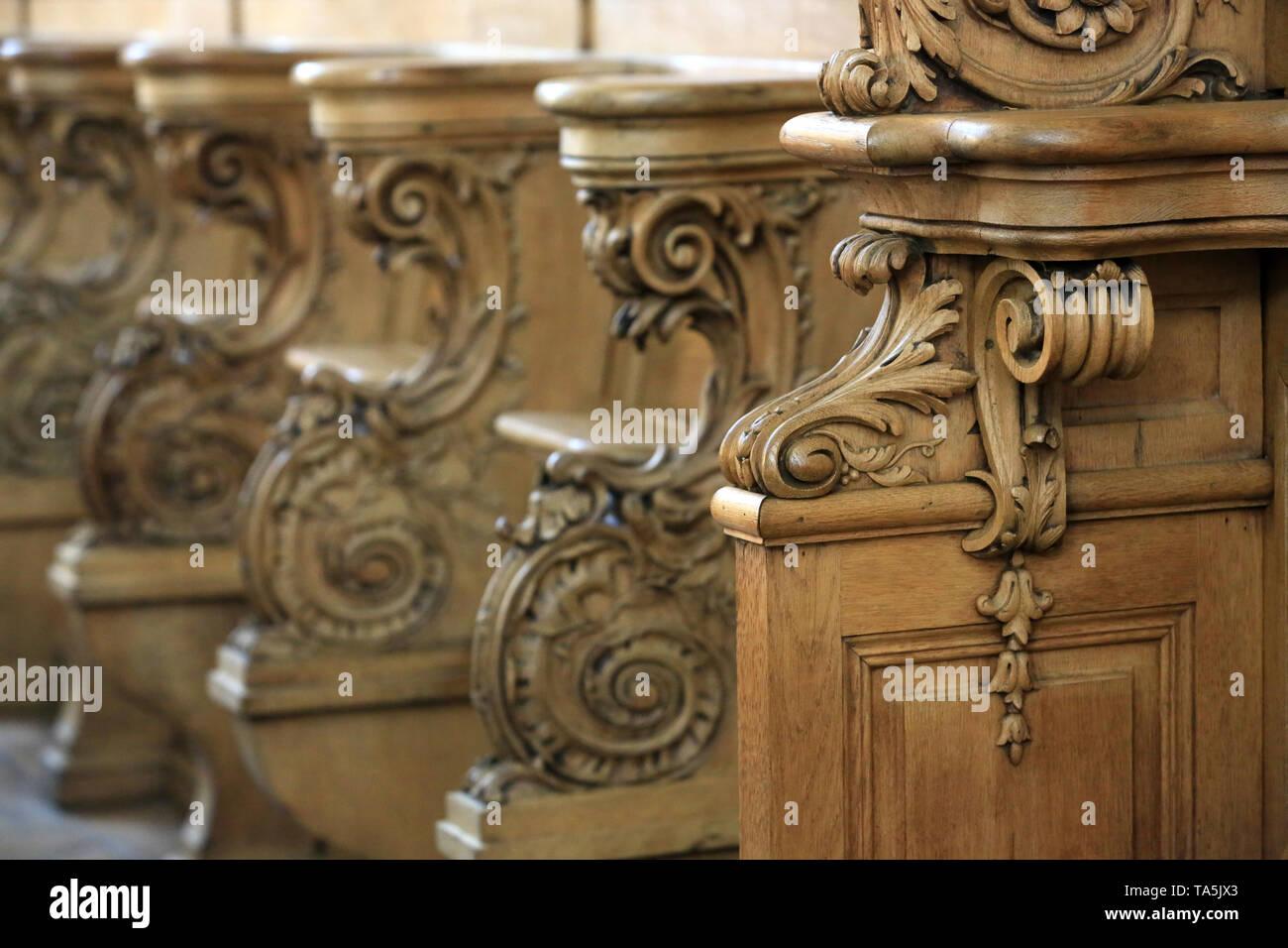 Stalles et Boiseries du choeur. Eglise Saint-Bruno-les-Chartreux. Lyon. Stände und Holzarbeiten des Chores. St. Bruno Les Chartreux's Kirche. Lyon. Stockbild